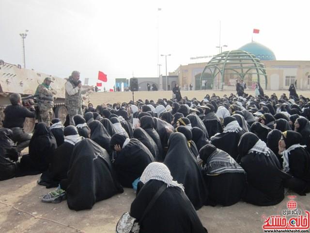 بازدید دانشجویان دختر بسیجی از مناطق عملیاتی جنوب_خانه خشتی_رفسنجان_ بهناز شریفی (۱۷)