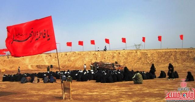 بازدید دانشجویان دختر بسیجی از مناطق عملیاتی جنوب_خانه خشتی_رفسنجان_ بهناز شریفی (۱۸)