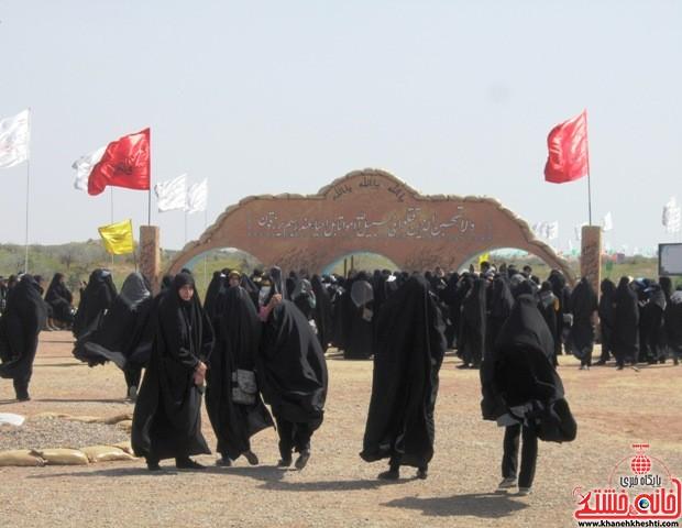 بازدید دانشجویان دختر بسیجی از مناطق عملیاتی جنوب_خانه خشتی_رفسنجان_ بهناز شریفی (۲۳)