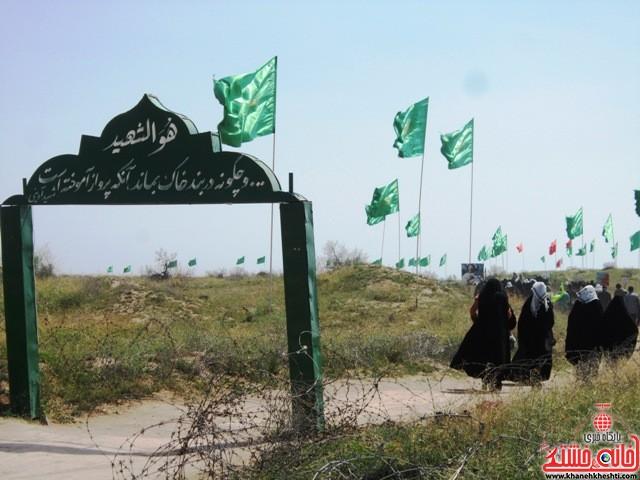 بازدید دانشجویان دختر بسیجی از مناطق عملیاتی جنوب_خانه خشتی_رفسنجان_ بهناز شریفی (۲۴)