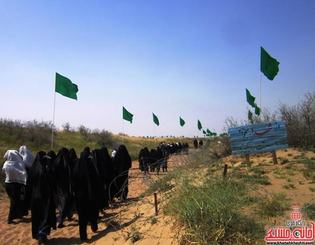 بازدید دانشجویان دختر بسیجی از مناطق عملیاتی جنوب_خانه خشتی_رفسنجان_ بهناز شریفی (۲۶)