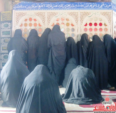 بازدید دانشجویان دختر بسیجی از مناطق عملیاتی جنوب_خانه خشتی_رفسنجان_ بهناز شریفی (۳)