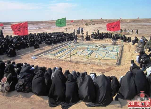 بازدید دانشجویان دختر بسیجی از مناطق عملیاتی جنوب_خانه خشتی_رفسنجان_ بهناز شریفی (۴۰)