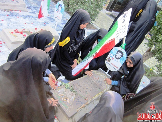 بازدید دانشجویان دختر بسیجی از مناطق عملیاتی جنوب_خانه خشتی_رفسنجان_ بهناز شریفی (۴۲)