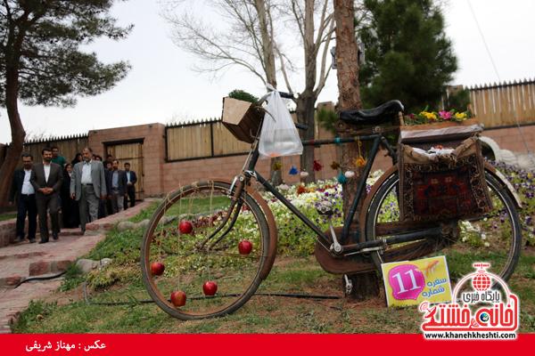 بازدید مسئولین رفسنجان از جشنواره سفره هفت سین