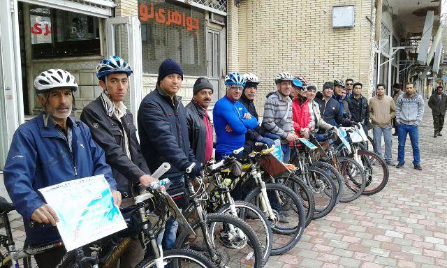 استقبال شهروندان رفسنجانی از سه شنبه های پاک/ عکس