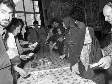 ۱۲ فروردین و خاطره رهبر انقلاب از بچه حزب اللهی های کرمان