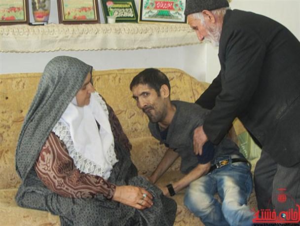 مادری که صبر در برابر او زانو زد
