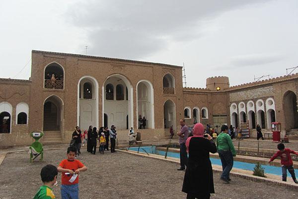 ۲۶ هزار میهمان نوروزی از جاذبه های گردشگری رفسنجان بازدید کردند
