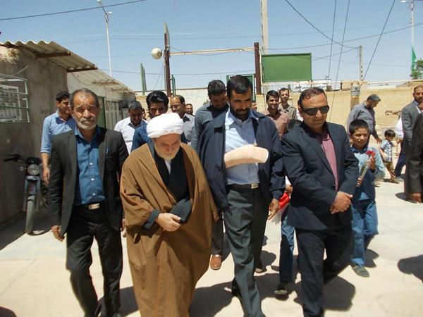 تصاویر استقبال از جانباز مدافع حرم در شهر بهرمان