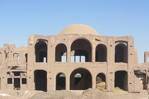 عمارت کلاه فرنگی رفسنجان بنایی به قدمت قاجاریه که مغفول مانده است