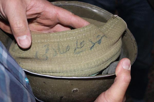 یادگار شهید گمنام پس از ۳۳ سال به دست پسرش رسید / عکس