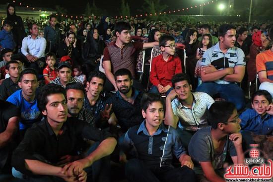 حضور جوانان در جشن بزرگ نیمه شعبان در شهربازی رفسنجان