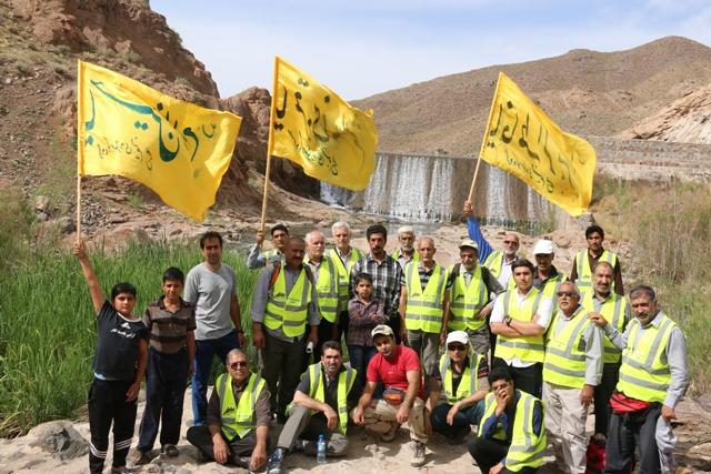 پیمایش کوههای اطراف امامزاده عباس(ع) توسط گروه کوهنوردی نسیم صبح