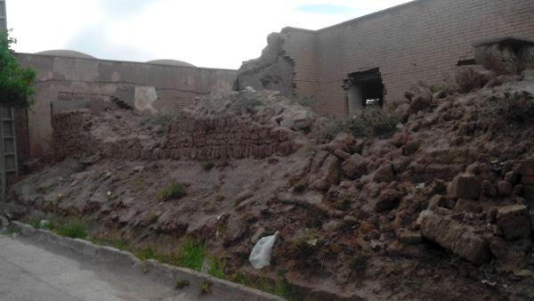 دیوار خرابه هایی که چهره ی شهرمان را زشت کرده است / عکس