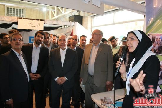 بازدید وزیر آموزش پرورش از نمایشگاه دستاوردهای انجمن های علمی دانشگاه ولیعصر(عج) رفسنجان