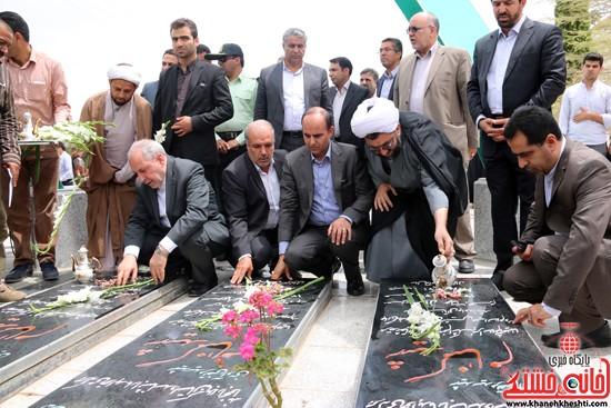 ادای احترام علی اصغر فانی وزیر آموزش و پرورش به مقام شامخ شهدای گمنام دانشگاه ولیعصر(عج) رفسنجان