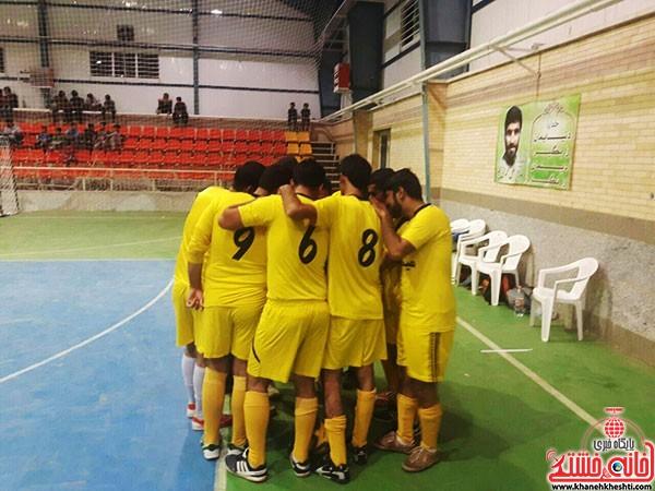 آغاز مسابقات فوتسال جام رمضان در شهر بهرمان (۳)