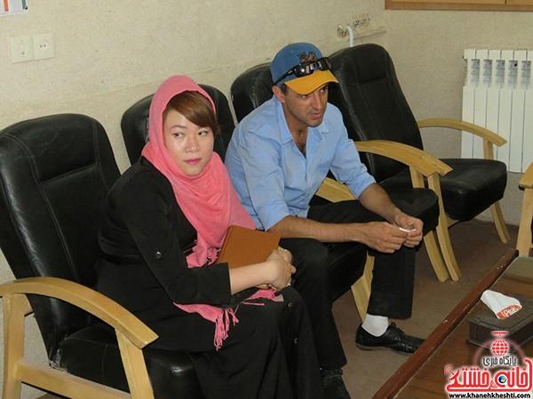 تشرف بانوی کره ای به دین اسلام در دفتر امام جمعه رفسنجان