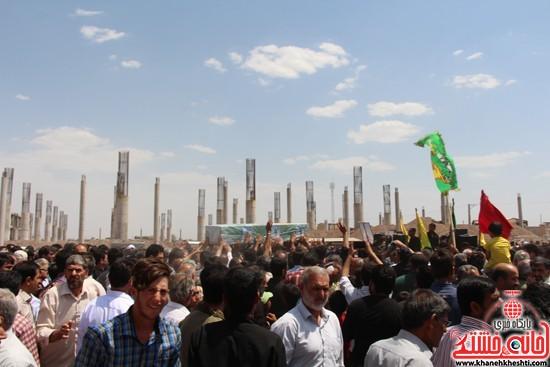 مراسم تشییع شهید صاحب نظری از شهدای مدافع حرم حضرت زینب(س) از مصلی بزرگ امام خامنه ای به سمت گلزار شهدای شهرستان رفسنجان