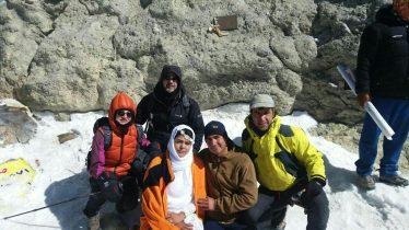 تصاویر مراسم ازدواج دو کوهنورد رفسنجانیبر بام ایران