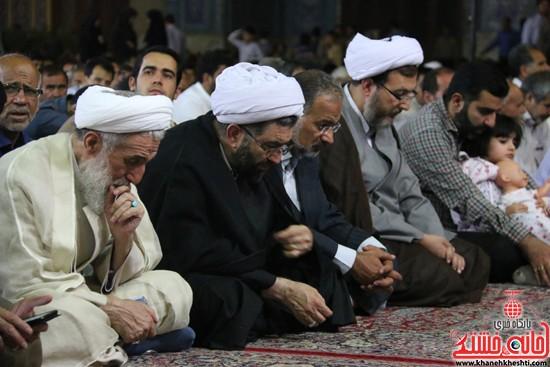 آیت الله صدیقی ،امام جمعه، رئیس دادگستری و نماینده سابق مردم در مجلس مراسم وداع با ماه مبارک رمضان در مسجد جامع رفسنجان