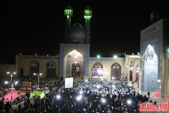 حضور مردم در مراسم وداع با ماه مبارک رمضان در مسجد جامع رفسنجان