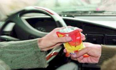 سرقت وجوه نقدی راننده تاکسی پس از مسمومیت با آبمیوه در مسیر رفسنجان به انار