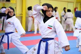 نائب قهرمانی جوانه های باشگاه میلاد رفسنجان درمسابقات لیگ کاراته بانوان استان / عکس