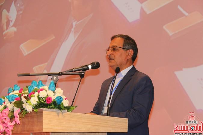 چهارمین کنگره ملی هیدروپونیک و تولیدات گلخانه ای در دانشگاه ولیعصر(عج) رفسنجان (۱)