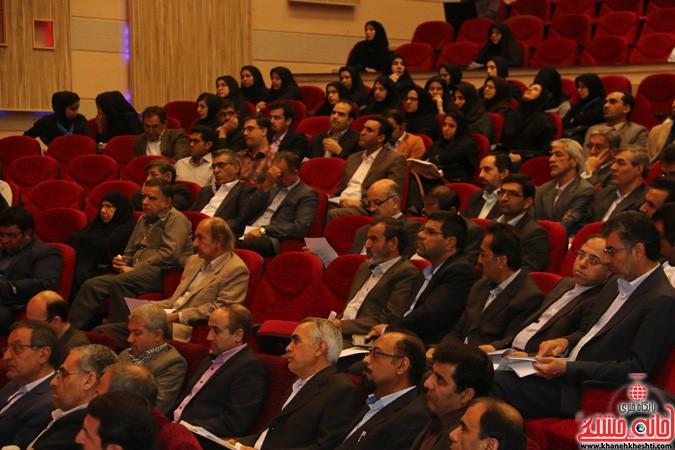 چهارمین کنگره ملی هیدروپونیک و تولیدات گلخانه ای در دانشگاه ولیعصر(عج) رفسنجان (۱۰)