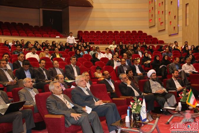 چهارمین کنگره ملی هیدروپونیک و تولیدات گلخانه ای در دانشگاه ولیعصر(عج) رفسنجان (۲)