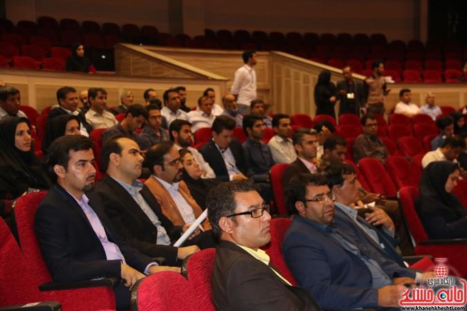 چهارمین کنگره ملی هیدروپونیک و تولیدات گلخانه ای در دانشگاه ولیعصر(عج) رفسنجان (۲۱)