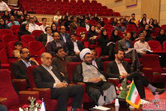چهارمین کنگره ملی هیدروپونیک و تولیدات گلخانه ای در دانشگاه ولیعصر(عج) رفسنجان (۳)