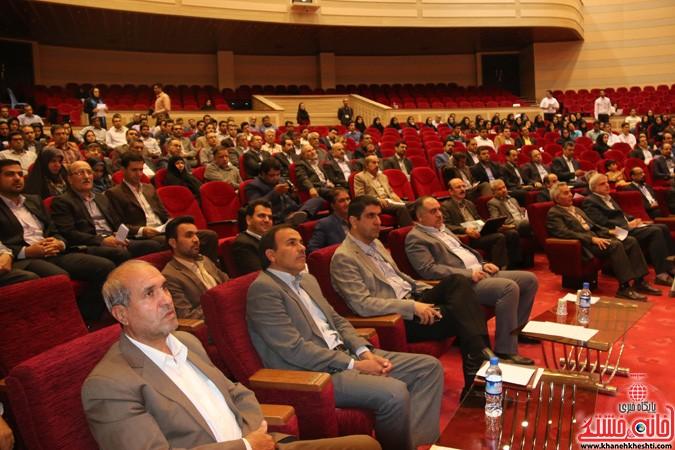 چهارمین کنگره ملی هیدروپونیک و تولیدات گلخانه ای در دانشگاه ولیعصر(عج) رفسنجان (۴)