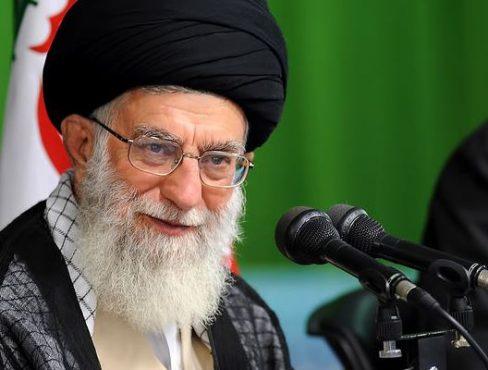 جمهوری اسلامی باید زکات را در سرلوحه برنامههای خود گذارد