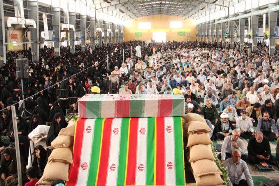 دعای عرفه در رفسنجان با رنگ و بوی شهید گمنام برگزار شد / تصاویر