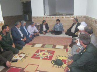 دیدار مسئولین رفسنجان با خانواده شهداء