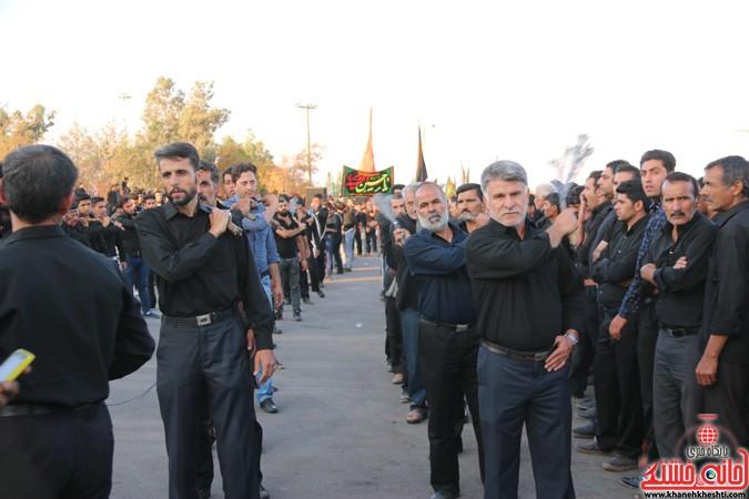 تجمع عزاداران حسینی در سقاخانه ابوالفضل(ع) رفسنجان در روز عاشورا