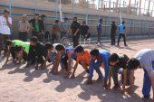 مسابقات دو و میدانی به مناسبت هفته تربیت بدنی در استادیوم تختی رفسنجان برگزار شد / تصاویر