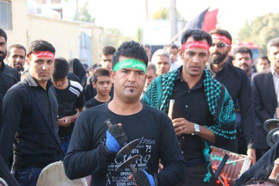 پیاده روی نمادین اربعین عزاداران حسینی در رفسنجان برگزار شد / تصاویر