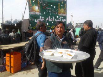 خدمات رسانی موکب امام علی(ع) نوق رفسنجان به زوار الحسین(ع) در مسیر نجف به کربلا / تصاویر
