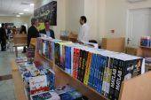 برپایی نمایشگاه بزرگ کتاب در دانشگاه ولیعصر(عج) رفسنجان / تصاویر