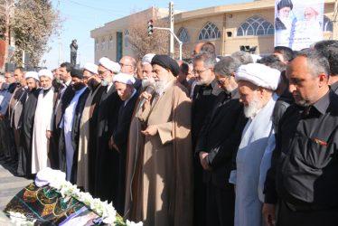 تشییع پدر انقلاب رفسنجان بر دوش مردم ولایی / تصاویر