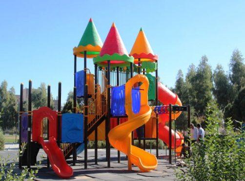 تجهیز شش بوستان شهر رفسنجان به وسایل بازی ویژه کودکان و نوجوانان