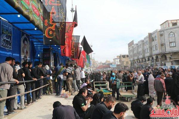 موکب خاتم الانبیاء رفسنجان در حال ارائه خدمات به زائرین اربعین حسینی در کربلای معلی