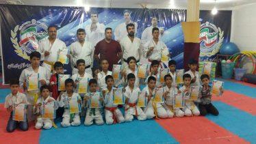 کسب کاپ سوم تیم کاراته رفسنجان در مسابقات بین باشگاههای استان / عکس