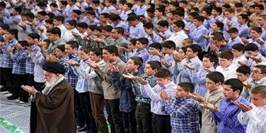 هدف دشمن نفوذ در نوجوانان و جوانان است/ عیب بزرگ تمدن رو به انحطاط غرب قطع رابطه با خداست