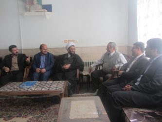 دیدار مدیر کل صدا و سیمای مرکز کرمان با خانواده شهید زینلی در رفسنجان / تصاویر