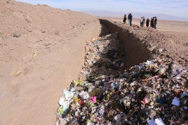 مراحل امحا و دفن زباله های عفونی بیمارستانهای رفسنجان / تصاویر